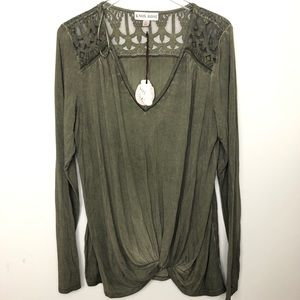 Knox rose green top with lace shoulders size XL